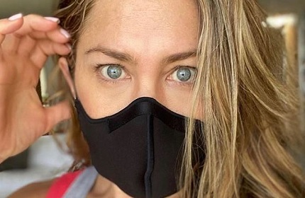 coronavirus-mask3-jennifer-aniston