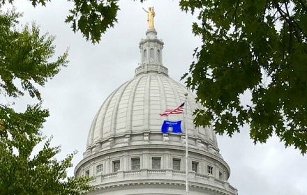 wi-capitol-flags